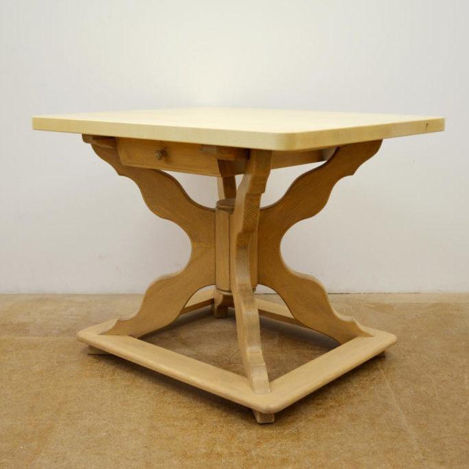 Sonderanfertigung-Tisch-Ahorn-Gröbner